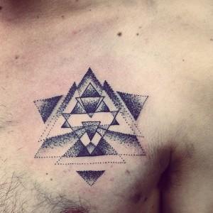 Tatouage tendance géométrique
