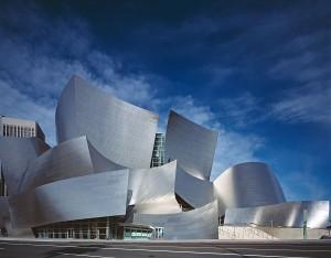 Walt Disney Concert Hall à Los Angeles, oeuvre de Frank Gehry