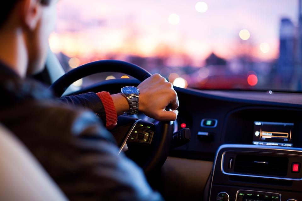 driver-1149997_960_720