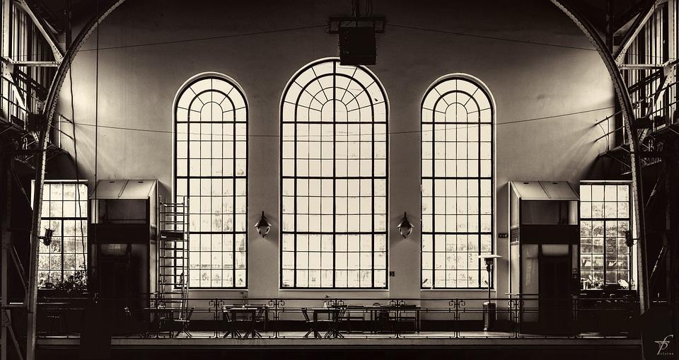Style industriel - grandes fenêtres