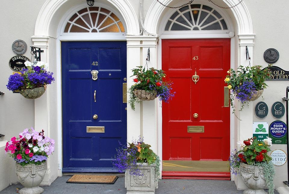 comment bien choisir sa porte d entr e le coin des hommes. Black Bedroom Furniture Sets. Home Design Ideas