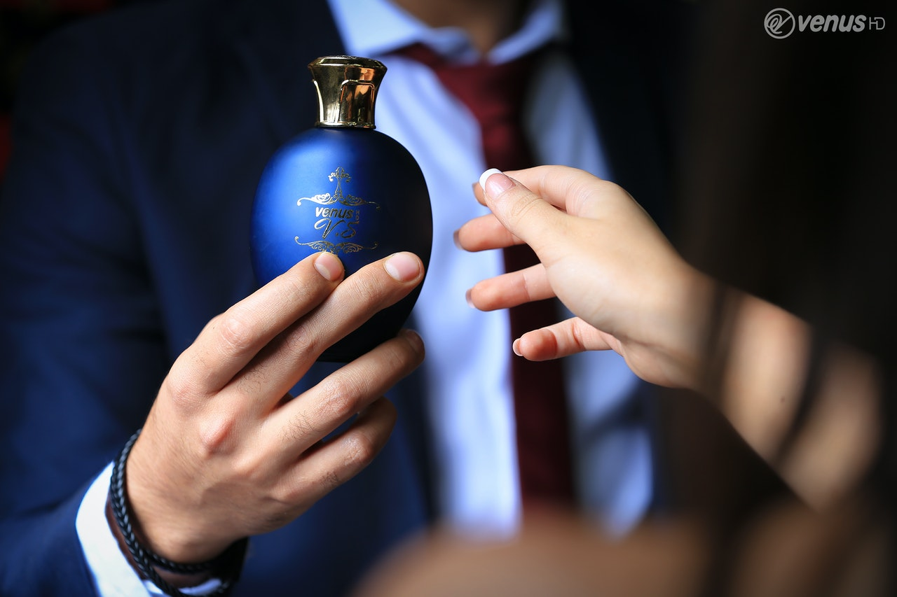 Offrir un parfum à son homme